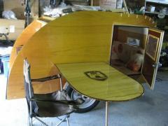 table de la teardrop installée