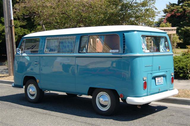 1815953680_vw-bay-window-bus-sample-color07(Small).jpg.f982837037f51afe6fdb0244e38db144.jpg