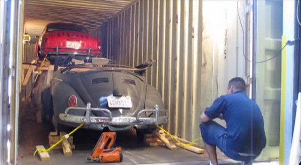 Importer une voiture des USA par container